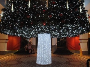 Image from: http://sydney-city.blogspot.com/2009/12/queen-victoria-building-christmas-tree.html